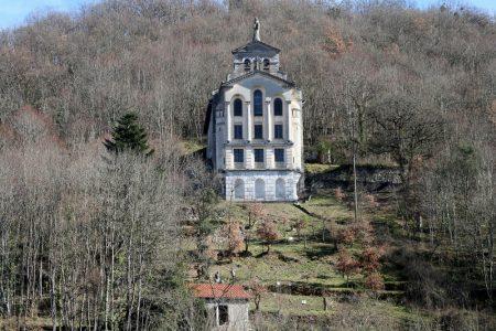 Le terrain est sous la chapelle de Miège-Coste matraire (Copier)